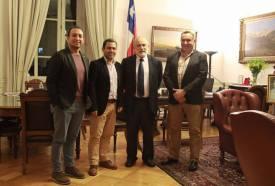 Reunião entre o Presidente do Senado do Chile Sr. Carlos Montes, Presidente mundial do CIOFF, Sr. Philippe Beaussant, Presidente CIOFF Chile Sr. Marcelo Fierro Yantorno e Coordenador da Comissão de Festivais CIOFF Chile Sr. Ivan Alejandro Tapia Peñaloza