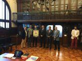Entrega de presentes entre CIOFF e Ministério da Cultura no Chile